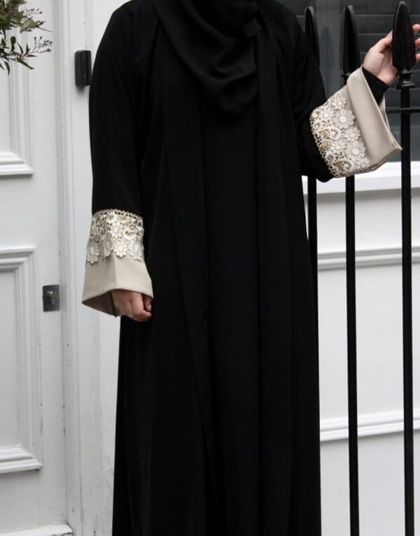 Black Open Abaya with Detailed Sleeves